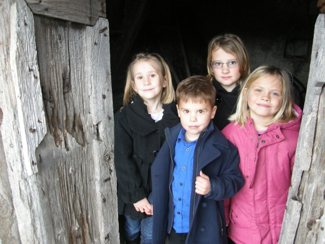 The delightful children of Kostanje - showing me their 'cubby house'